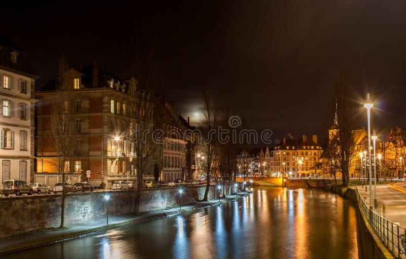 Download Chora Rzeka W Strasburg, Alsace -, Francja Zdjęcie Stock - Obraz złożonej z antyczny, stary: 28962392