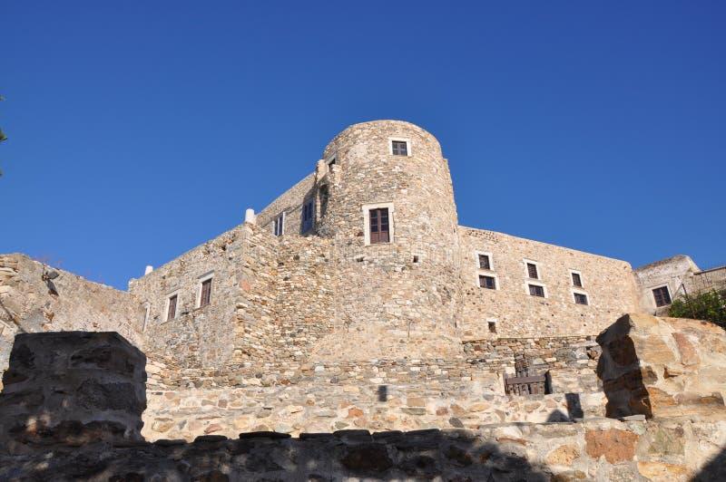 Chora venetian de Kastro do castelo do forte rochoso na ilha de Naxos fotos de stock royalty free
