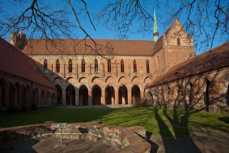 chorin кирпича аббатства готское стоковые фотографии rf