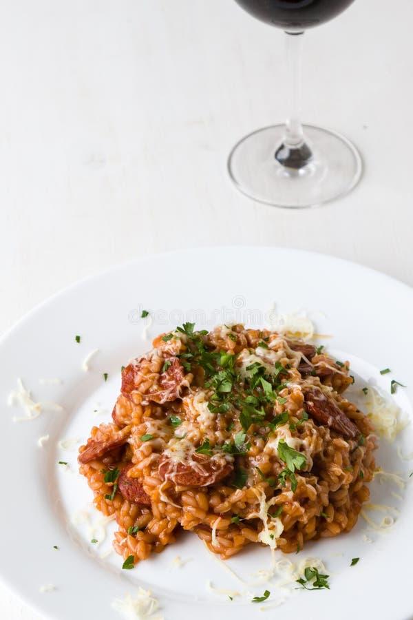 Chorizo risotto με την ντομάτα στοκ φωτογραφίες