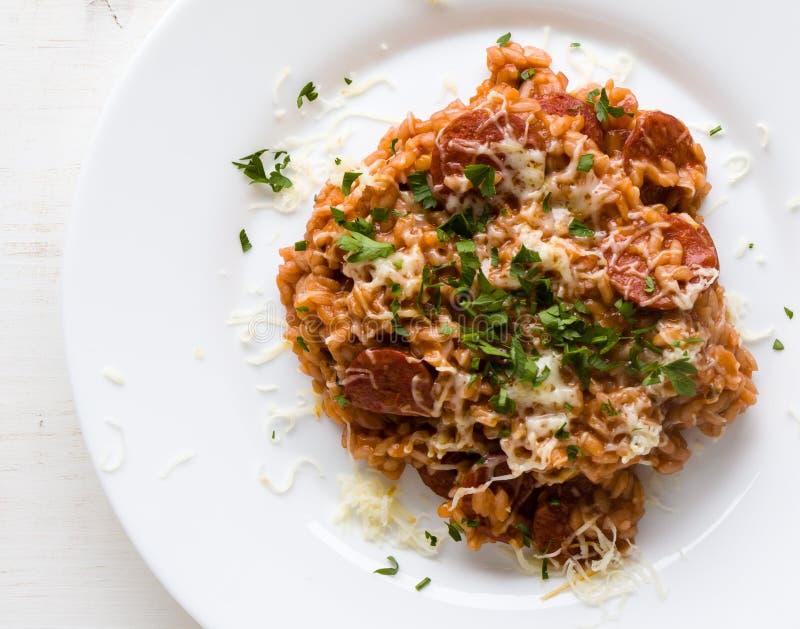 Chorizo risotto με την ντομάτα στοκ φωτογραφίες με δικαίωμα ελεύθερης χρήσης