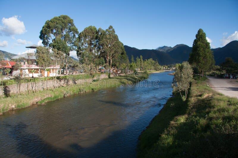 Chorobamba flod på landskapet av Oxapampa, Peru royaltyfri fotografi
