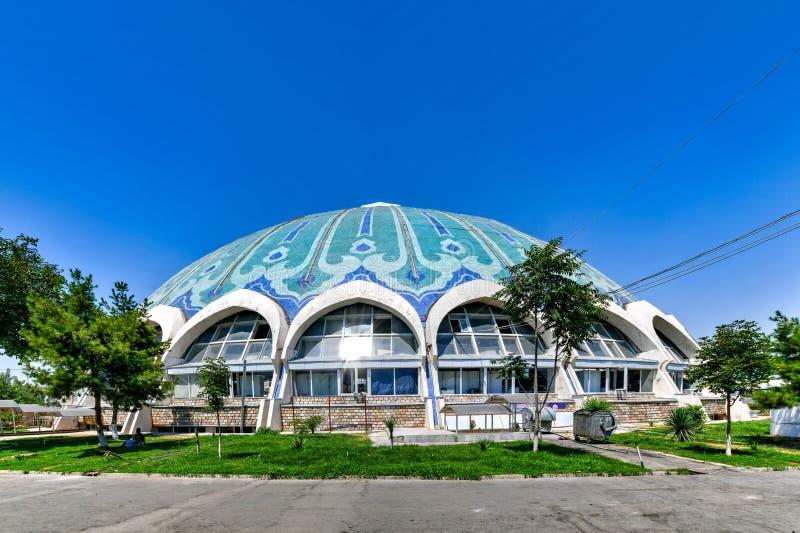 Chorsu Bazaar - Tashkent, Usbequistão fotos de stock royalty free