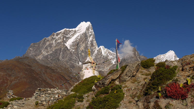 Download Chorten In The Himalayas Stock Image - Image: 27266761
