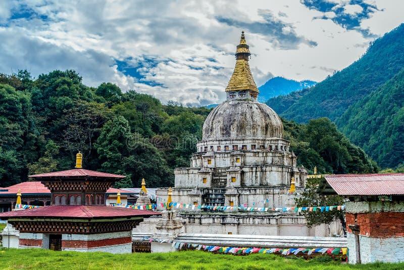 Chorten Kora - восточный Бутан стоковая фотография