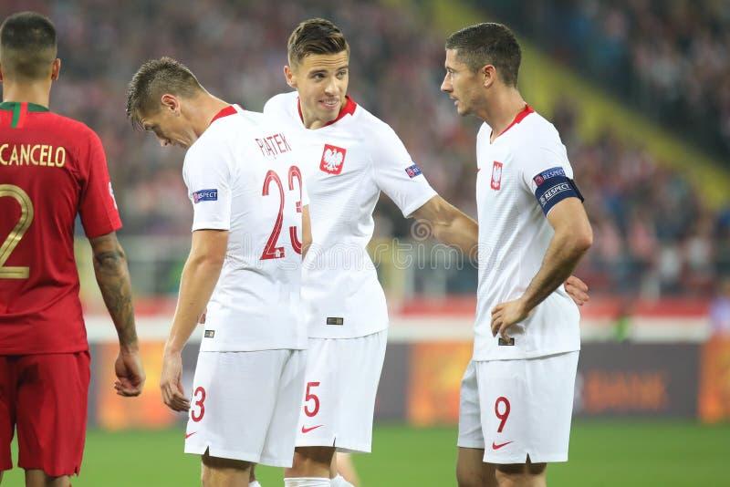 CHORZOW, POLEN - OKTOBER 11, 2018: UEFA-Natiesliga 2019: Polen - Portugal o/p Krzysztof Piatek, Robert Lewandowski, Januari royalty-vrije stock foto