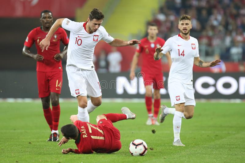 CHORZOW, POLEN - OKTOBER 11, 2018: UEFA-Natiesliga 2019: Polen - Portugal o/p William Carvalho Rafa Silva, Grzegorz royalty-vrije stock fotografie