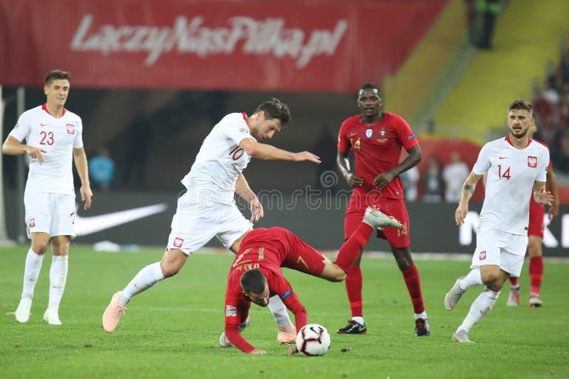 CHORZOW, POLEN - OKTOBER 11, 2018: UEFA-Natiesliga 2019: Polen - Portugal o/p William Carvalho Rafa Silva, Grzegorz stock foto's