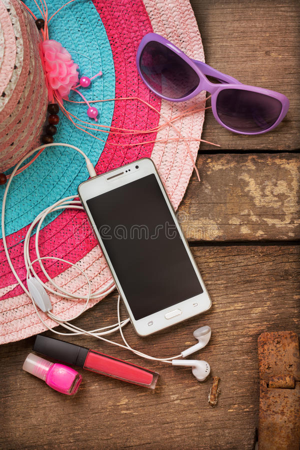 Choses pour la jeune femme de plage photo stock