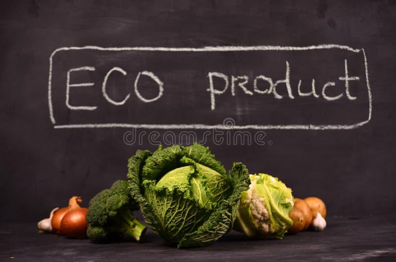 Chou, chou-fleur, brocoli et signe tiré par la main le produit d'eco photo libre de droits
