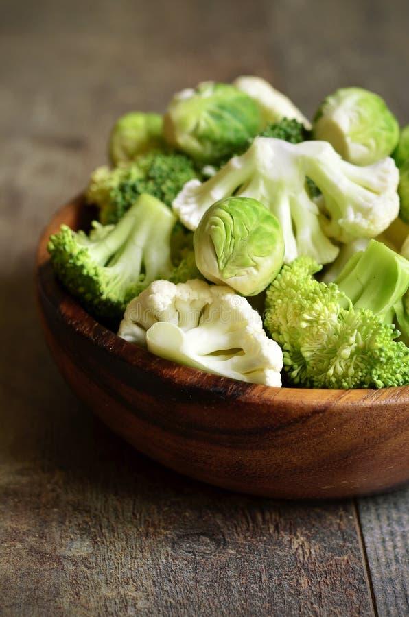 Chou de bruxelles, brocoli et chou-fleur photographie stock libre de droits