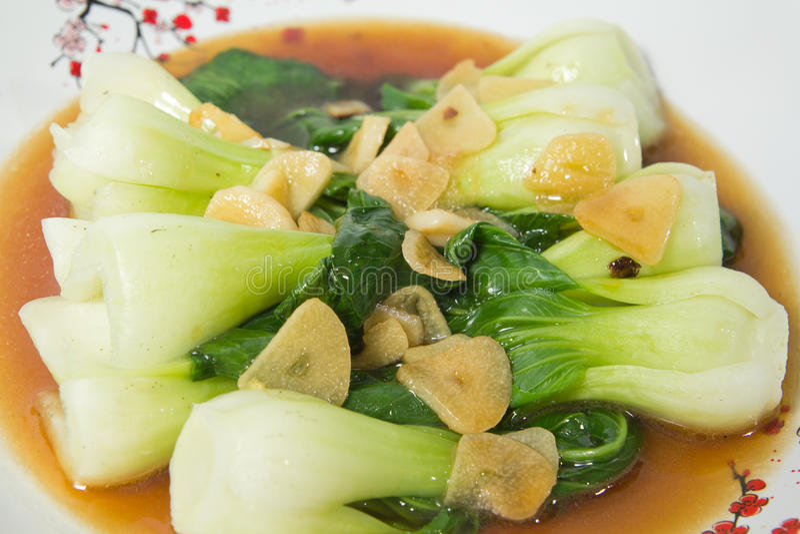 Chou de chine frit en sauce à huître photos libres de droits
