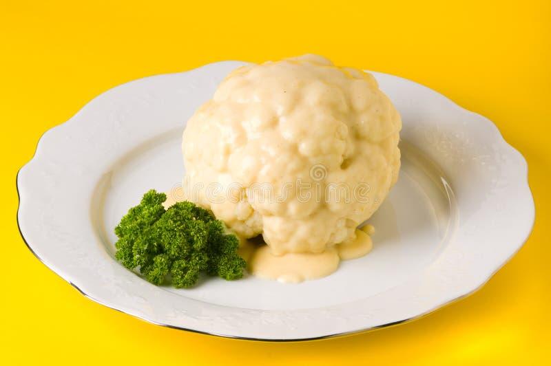 Download Chou-fleur photo stock. Image du végétarien, plateau, casse - 8662710