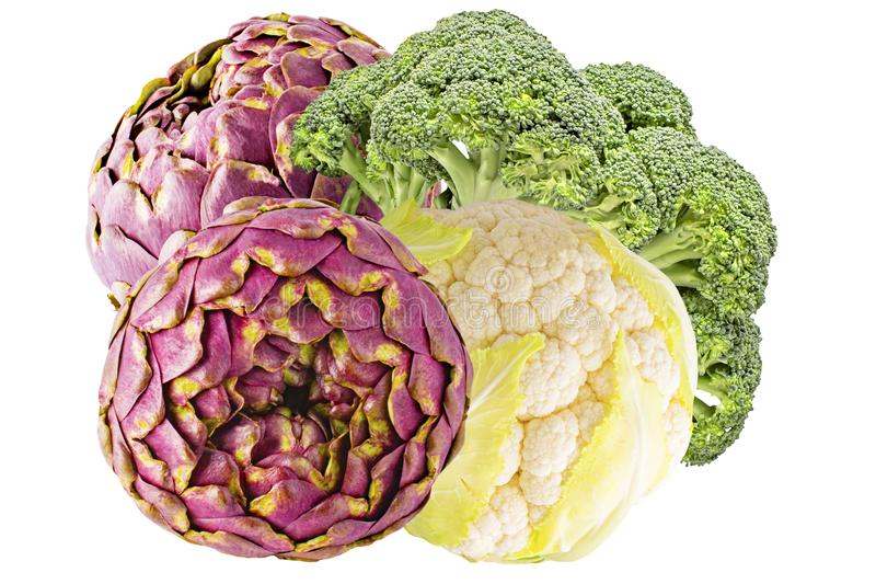 Chou-fleur avec le brocoli et les artichauts d'isolement sur le backg blanc photos stock