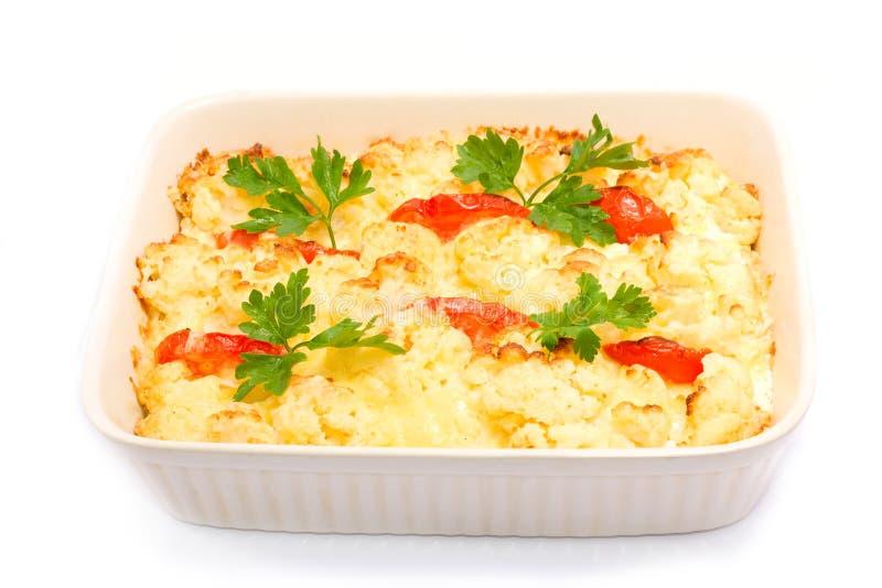 Chou-fleur cuit au four avec la tomate photo stock