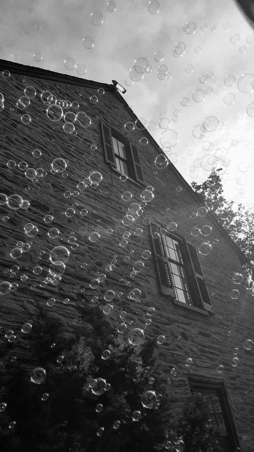 Chovendo bolhas em Harry Potter Festival fotografia de stock