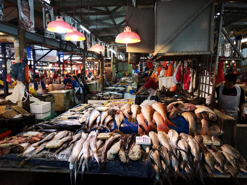 Chow kit wet market Kuala Lumpur Malaysia Fisksektion, färsk arkivbilder