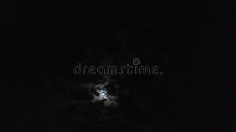 Chowana księżyc światła chmurna księżyc obraz stock