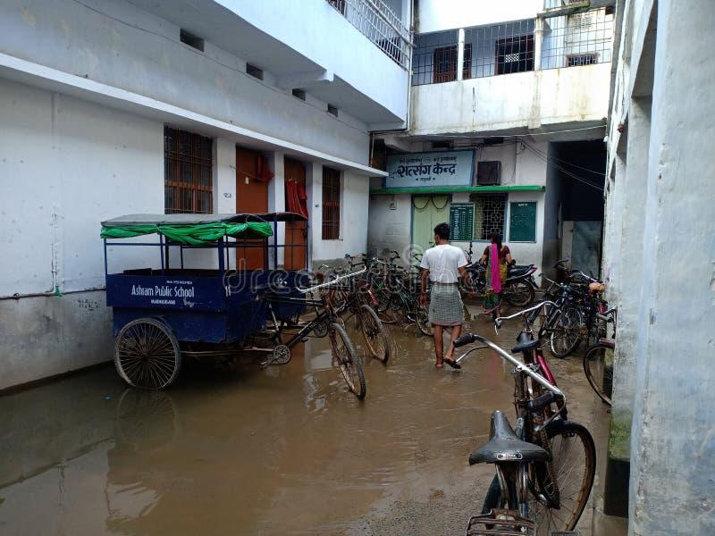 Chowk indien de maison et de routes de villages et hôpital et école photographie stock libre de droits