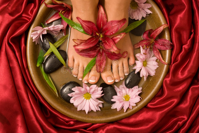 Download Choyer de footcare image stock. Image du fleur, cuvette - 8665973