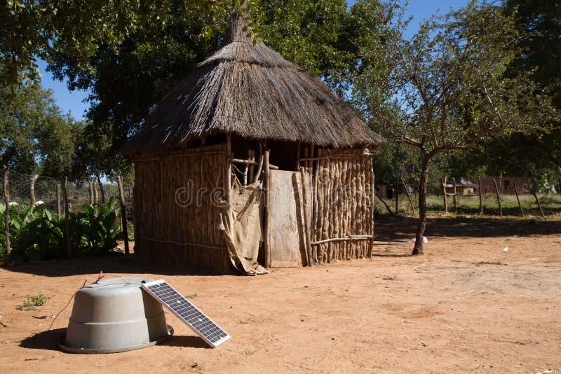 Choza de Kalahari en África fotos de archivo libres de regalías