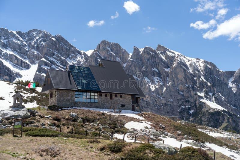 Choza de la montaña de Garelli, Italia fotos de archivo