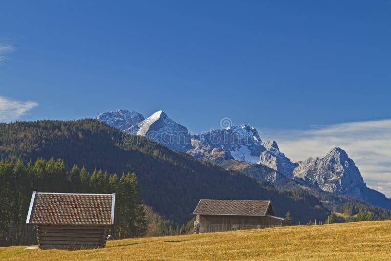 Choza del heno en Baviera superior imágenes de archivo libres de regalías