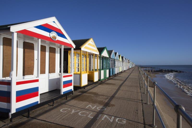Chozas coloridas de la playa en Southwold, Suffolk, Englan fotografía de archivo