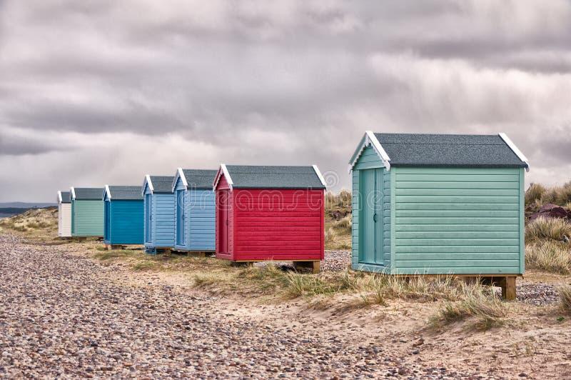 Chozas de la playa de Findhorn fotos de archivo libres de regalías