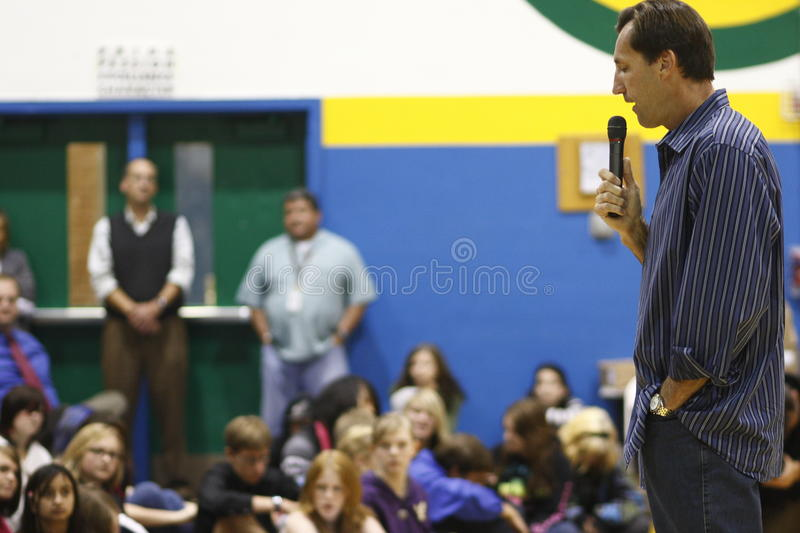 Download Chris Dudley Giving A Speech Editorial Stock Image - Image: 16074739