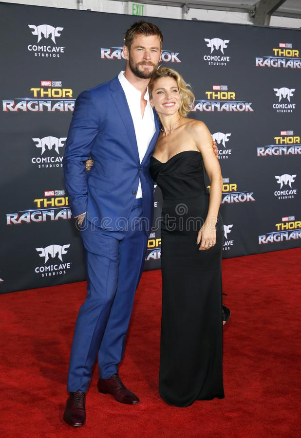 Chris Hemsworth e Elsa Pataky fotos de stock royalty free