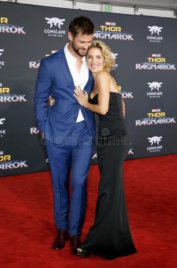 Chris Hemsworth e Elsa Pataky imagens de stock