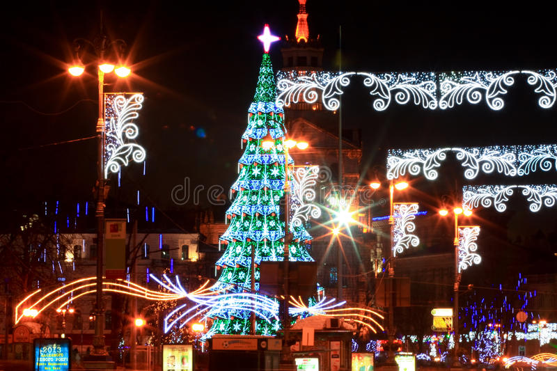 Download 圣诞节和新年的2013年在基辅,乌克兰的首都 编辑类库存图片. 图片 包括有 城市, 结构树, 乌克兰, 资本 - 30326084