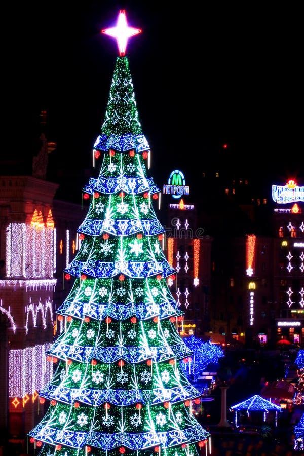 Download 圣诞节和新年的2013年在基辅,乌克兰的首都 图库摄影片. 图片 包括有 旅馆, 街道, 基辅, 节假日 - 30326102