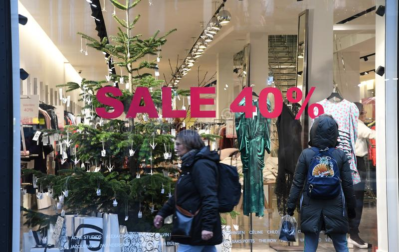 CHRISTAS sprzedaż DISOCUNT 40% W KOPENHAGA DENAMRK fotografia stock
