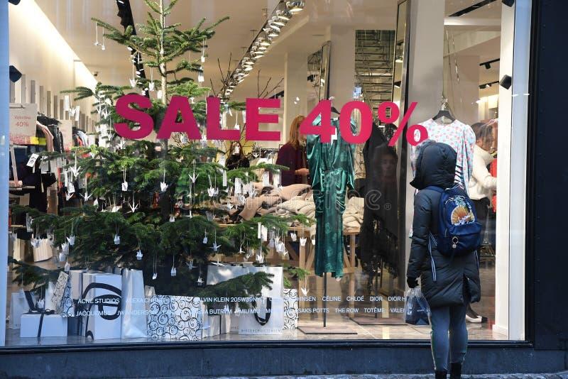 CHRISTAS sprzedaż DISOCUNT 40% W KOPENHAGA DENAMRK obraz stock