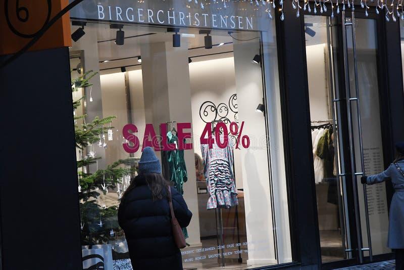 CHRISTAS sprzedaż DISOCUNT 40% W KOPENHAGA DENAMRK zdjęcia stock