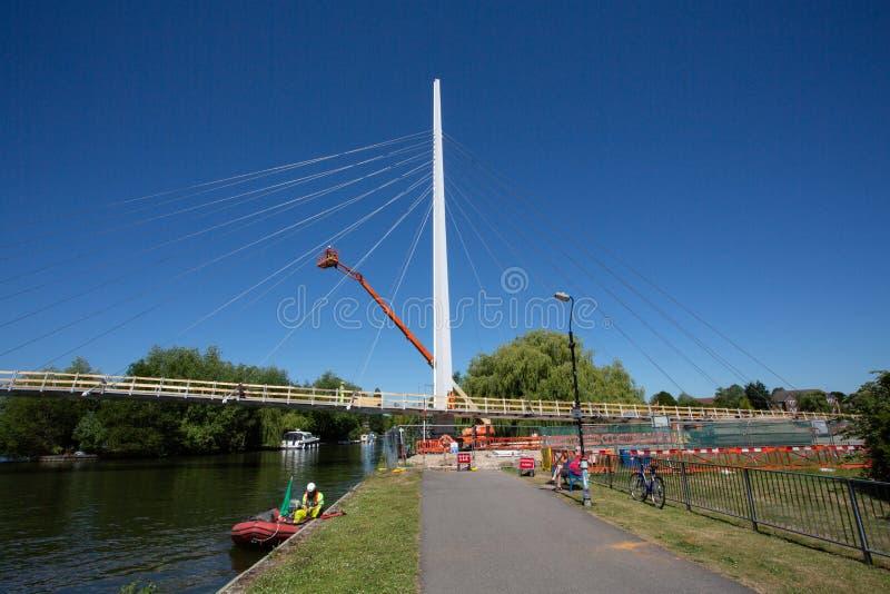 Christchurch bro över Themsen royaltyfria bilder