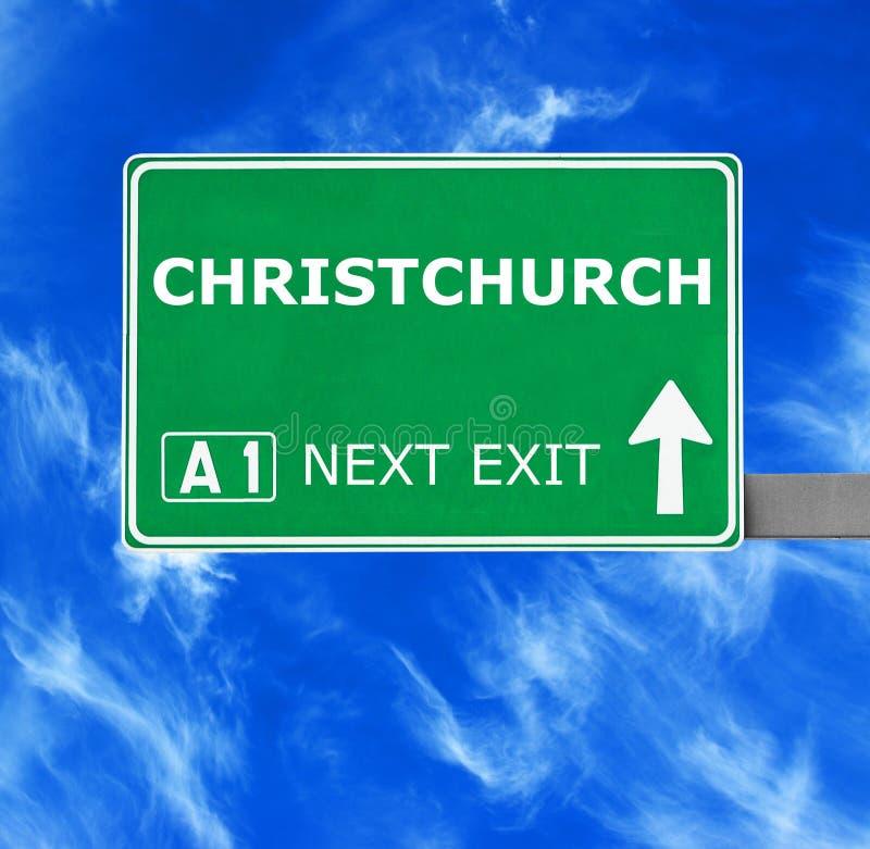 CHRISTCHURCH verkeersteken tegen duidelijke blauwe hemel stock afbeelding