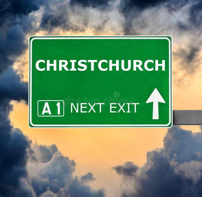 CHRISTCHURCH verkeersteken tegen duidelijke blauwe hemel royalty-vrije stock foto