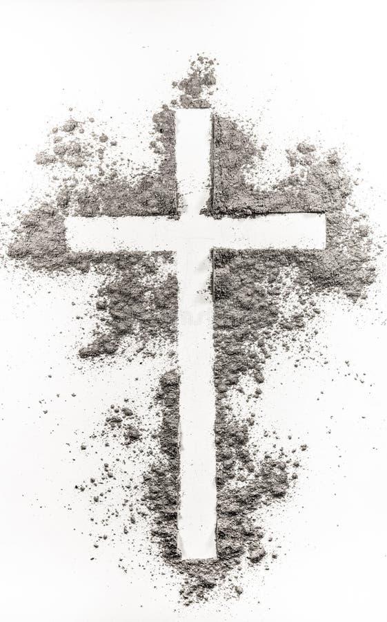 Christelijk kruis dat van as wordt gemaakt stock fotografie