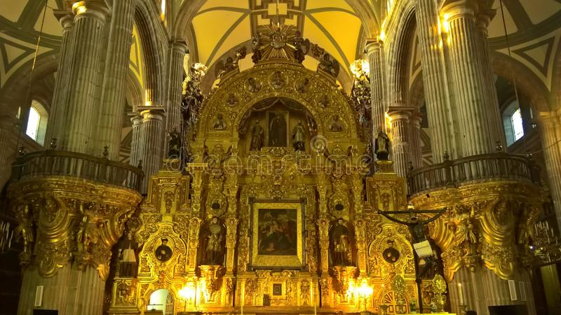 Christentumsskulpturen in einem Kloster stockfotos