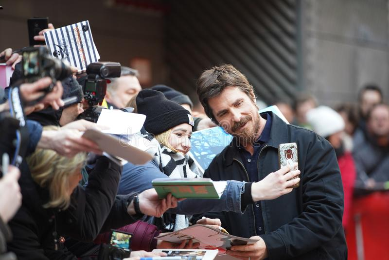 Christian Bale deltar i 'det vice royaltyfri fotografi