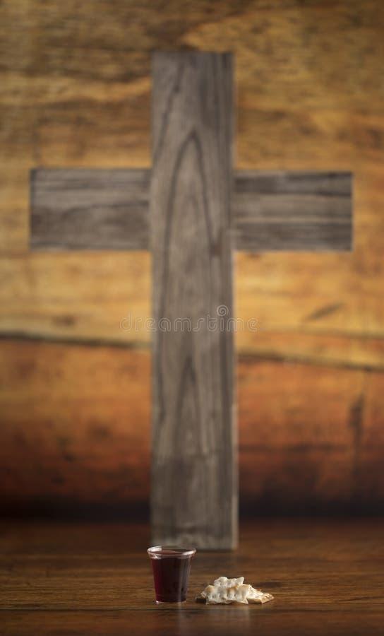 Christian Communion del vino y del pan ácimo imagen de archivo