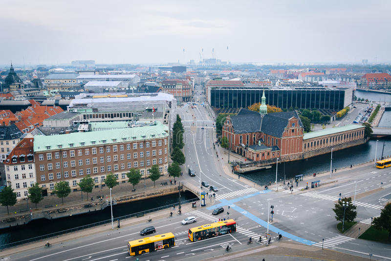 从Christiansborg宫殿塔的看法,在哥本哈根, Denmar 免版税库存照片