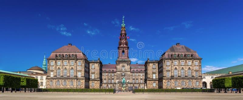 Christiansborgpaleis in Kopenhagen, Denemarken stock afbeeldingen
