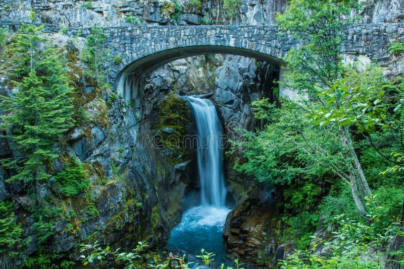 Christine Falls all'entrata ad ovest per montare Rainier National Park fotografia stock