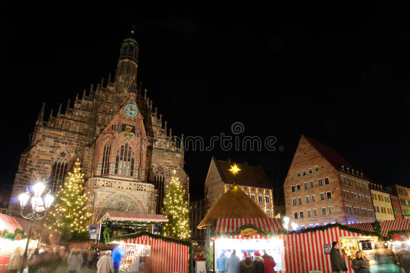 Christkindlesmarkt (圣诞节市场)在纽伦堡 免版税库存图片