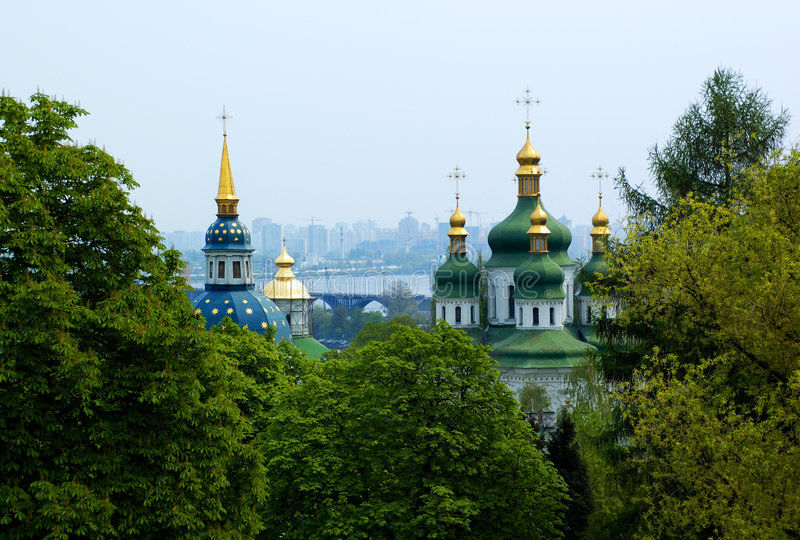 Christliche Kirche am Kiew-Sommer lizenzfreie stockfotografie