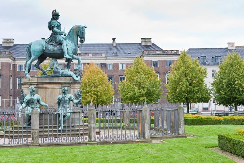 Christliche v-Statue in Kongens Nytorv in Kopenhagen lizenzfreie stockfotografie